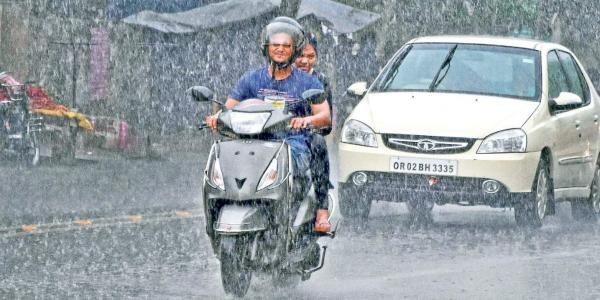 Here Are Some Useful Tips For Riding A Two-Wheeler In Rains