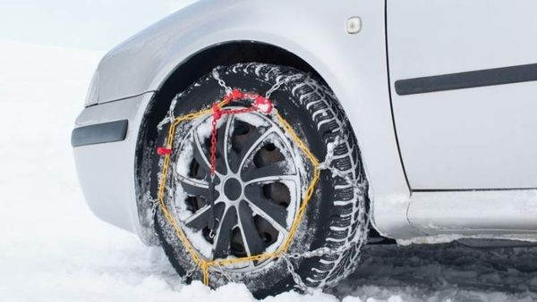 How to install car tire chains correctly